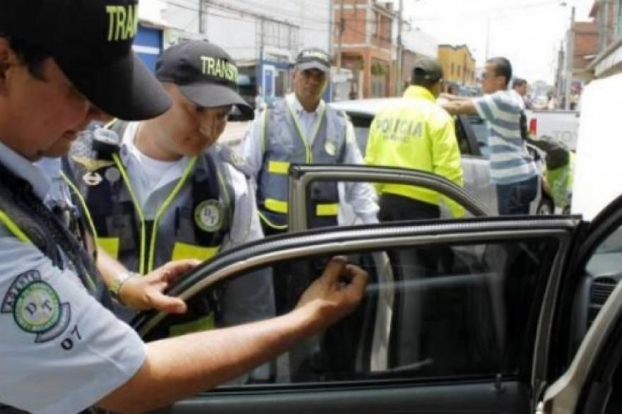 Chile aprobó los vidrios polarizados en los vehículos  Para Rossi ... 98aeb09cad